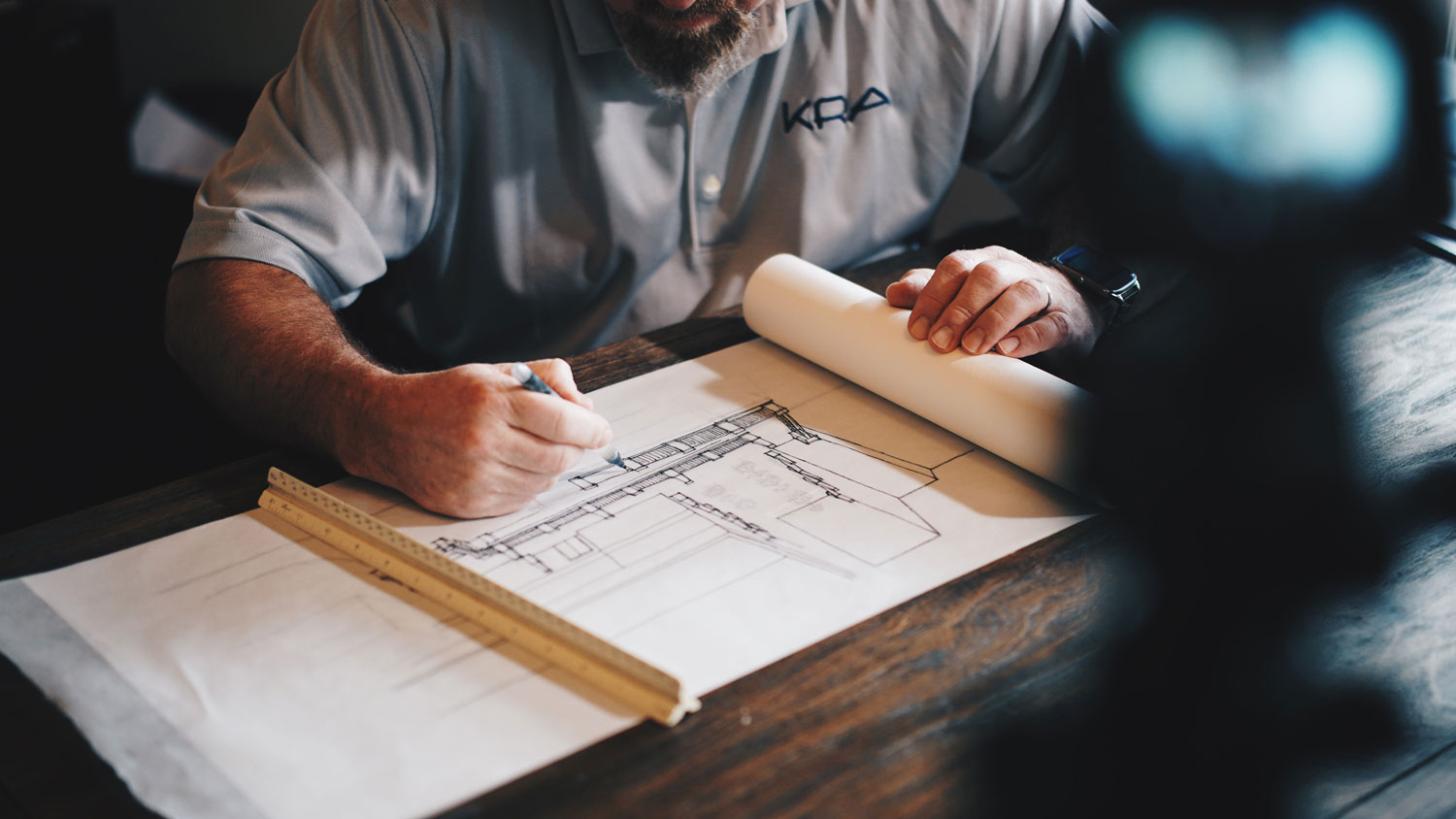 architects planning his design